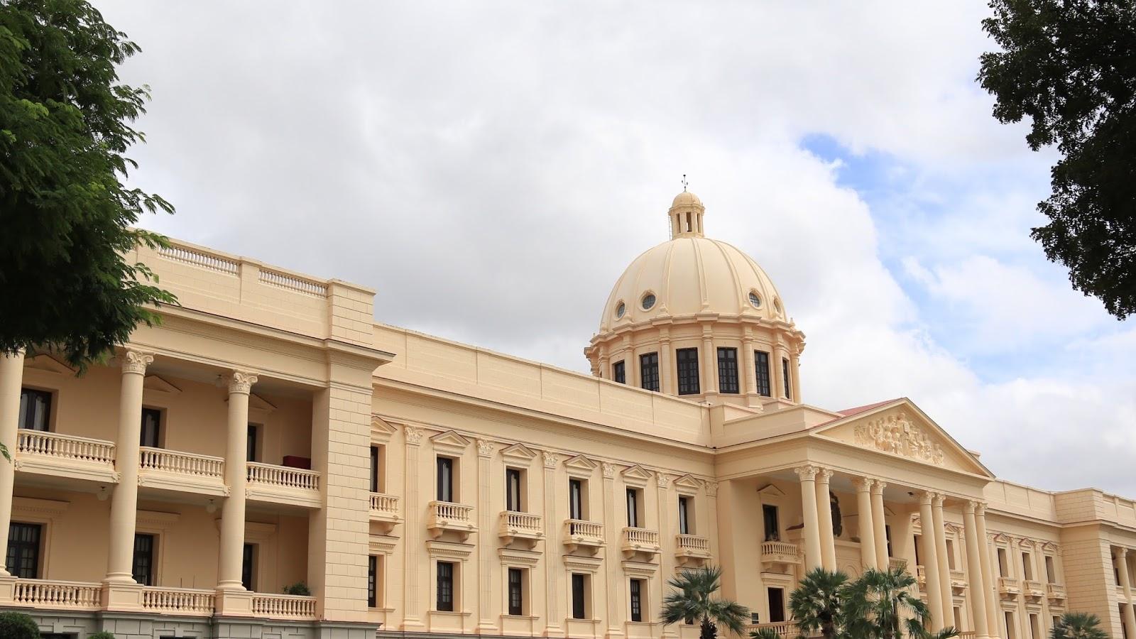 Presidente Danilo Medina crea mediante decreto el Jardín Botánico de Santiago