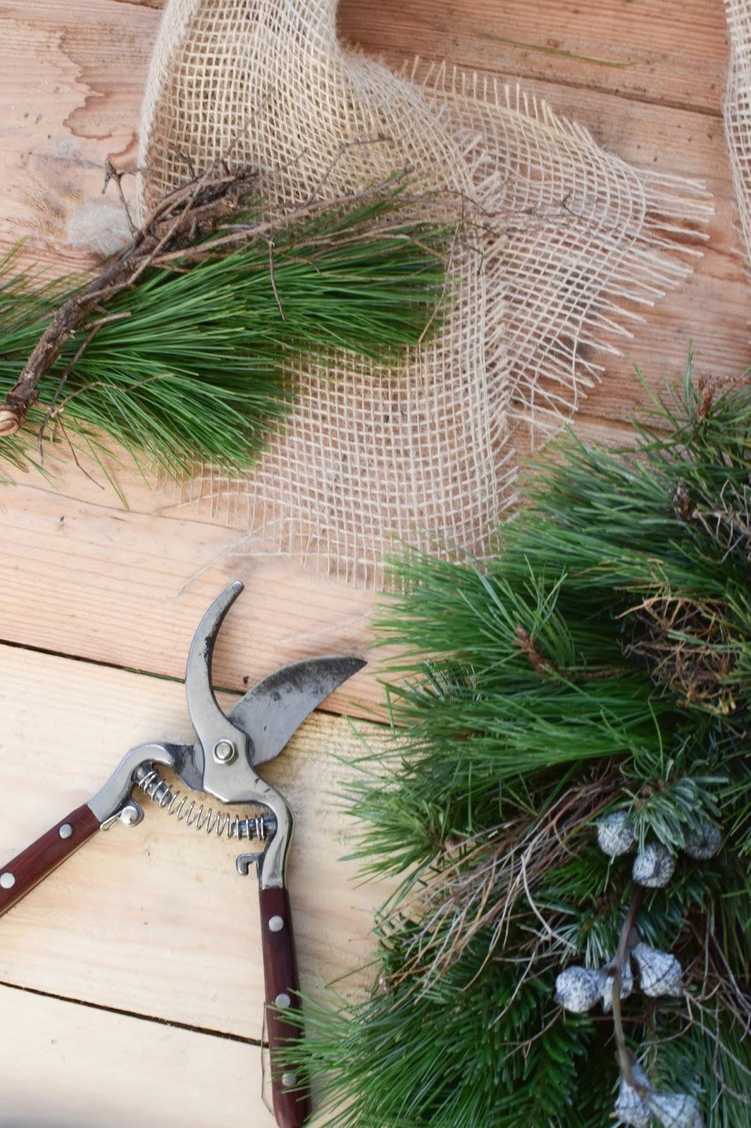 Winterkranz Kranz binden DIY selber machen Anleitung zum Kranzbinden Kraenze binden