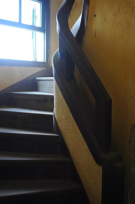 Chi tiết cầu thang của biệt thự cổ bỏ hoang ở Đà Lạt