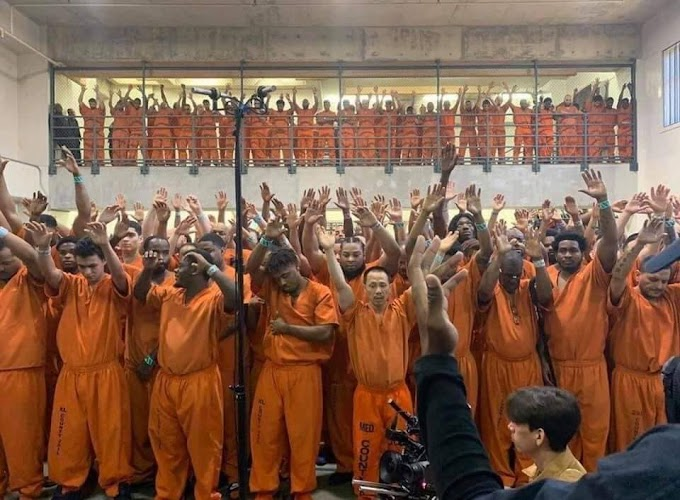 Rapper Kanye West performs for Texas jail inmates.