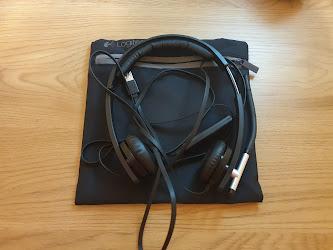 noise-canceling headset