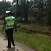 Awal Mula Jenazah Dibawa Pemotor Bonceng 3 hingga Disetop Polisi