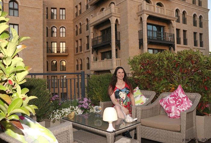 ג'ין וטוניק ב-Garden Terrace של וולדורף אסטוריה בירושלים