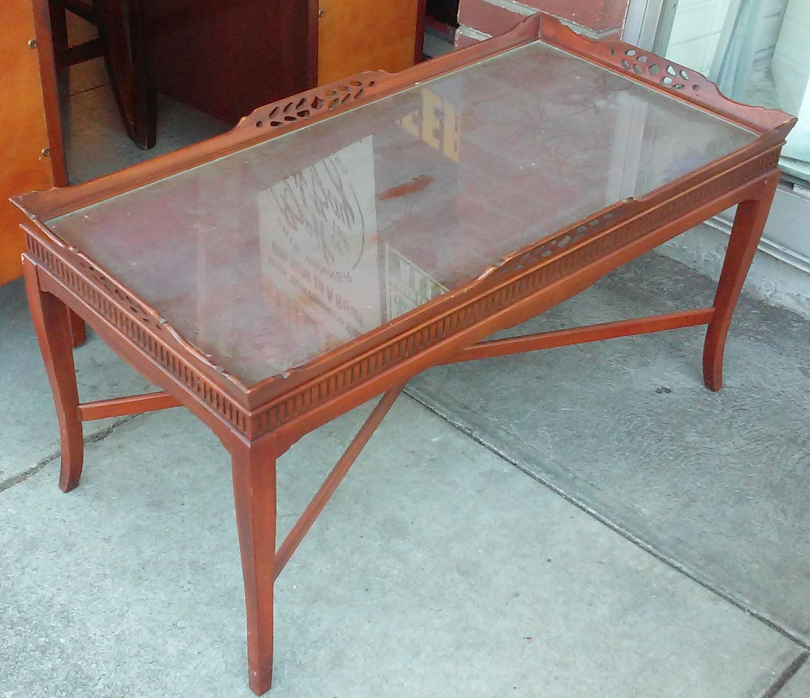 Uhuru furniture collectibles sold regency style coffee for Coffee table 80 x 50