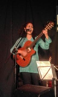 Sara Veneros en La Fídula.