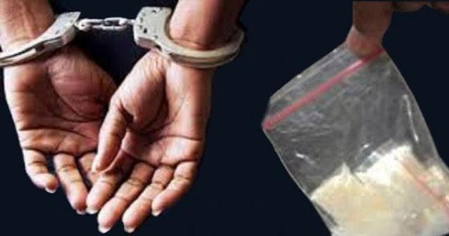seorang anak di bawah umur berinisial MN alias A (17) diamankan pihak Kepolisian Daerah (Polda) Sultra atas dugaan kepemilikan sabu seberat 35,69 gram. Hal tersebut dibenarkan oleh Kasubdit Penmas Humas Polda Sultra, Kompol Dolfi Kumaseh.