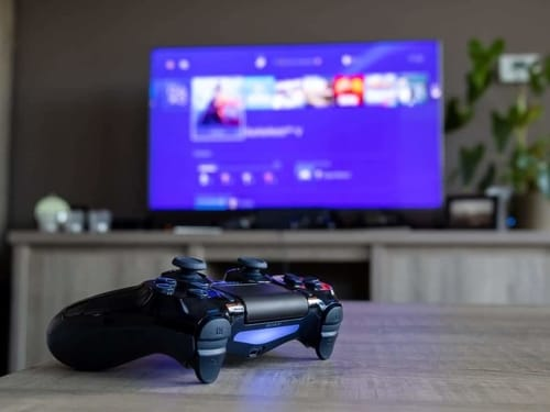 What internet speed do I need to play PS4 online?