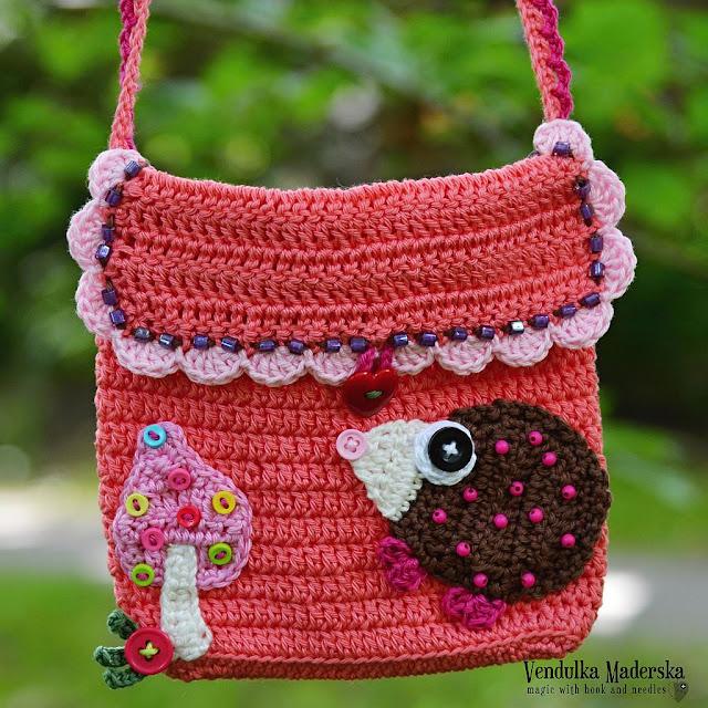 Hedgehog purse pattern by Vendula Maderska