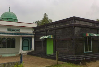 Makam Tuan Syech Baringin