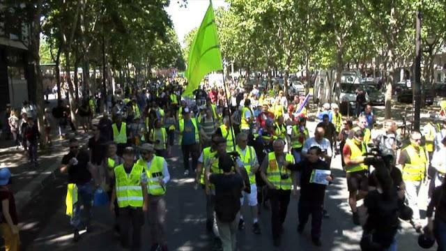 Chalecos amarillos franceses protestan por 29 semana consecutiva