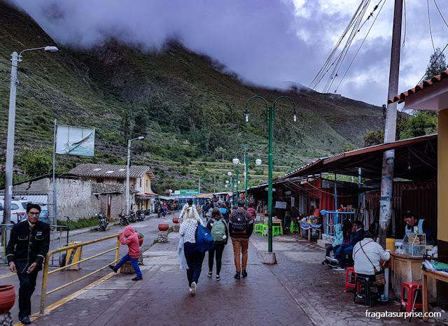 Trem para Machu Picchu: Estação Ferroviária de Ollntaytambo, Peru
