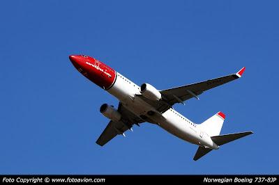 Boeing 737 EI-FHJ