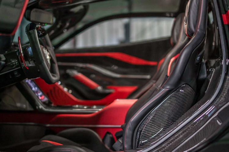 Siêu xe SSC Tuatara hơn 2 triệu USD sở hữu sức mạnh gì?