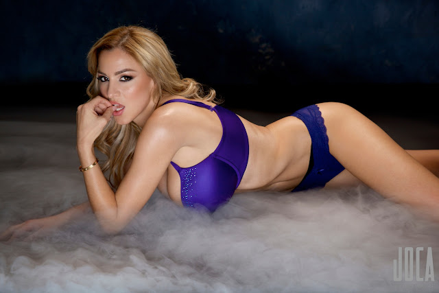Jordan-Carver-WWL-Photo-Shoot-in-Hot-Blue-Bikini-HD-Picture-19