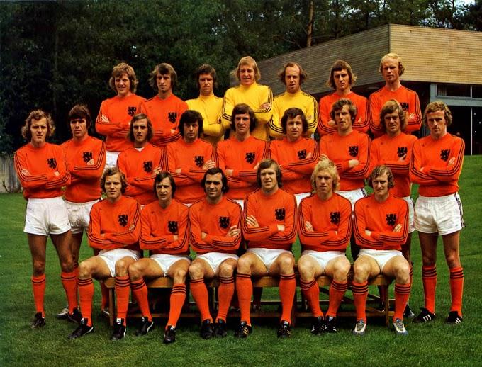 PAYS-BAS 1974.