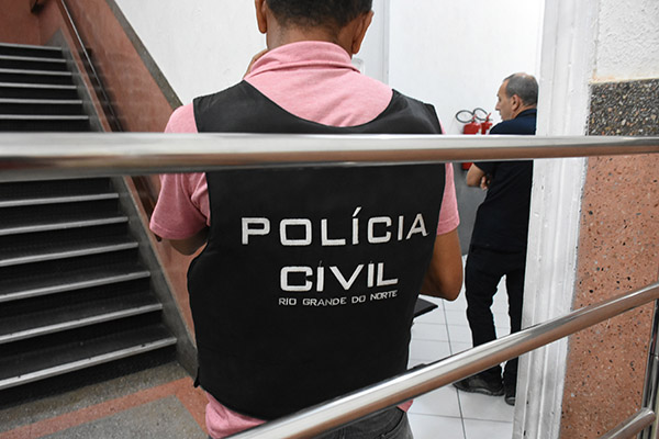 Polícia Civil prende ex-integrante da 'quadrilha de Valdetário Carneiro', condenado por roubo, em Mossoró