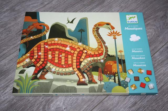 Activité manuelle : Mosaïques sur le thème des dinosaures