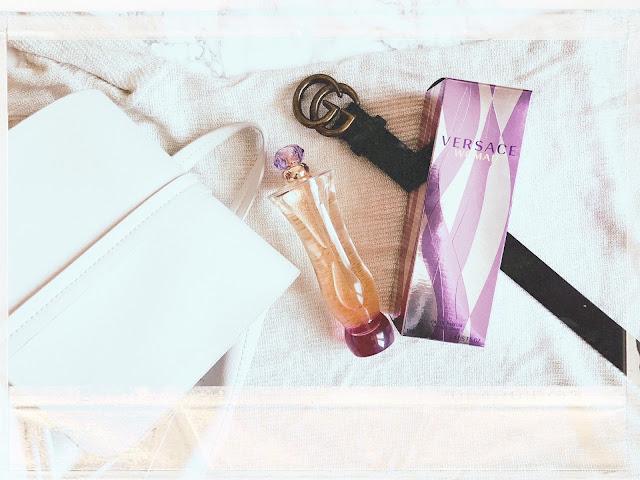 """Rozkoszna słodycz - recenzja perfum Versace """"Woman""""."""