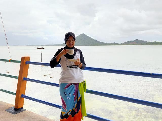Menikmati Secangkir Teh di Pulau Labun