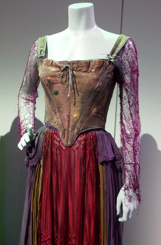 Hocus Pocus Sarah Sanderson costume