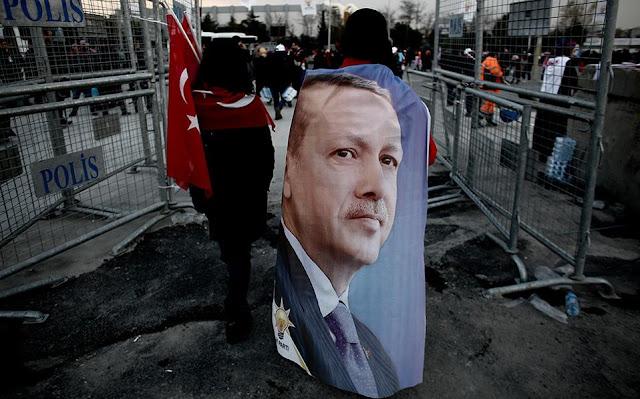 Ταγίπ Ερντογάν: Ο άνθρωπος που θα γινόταν βασιλιάς