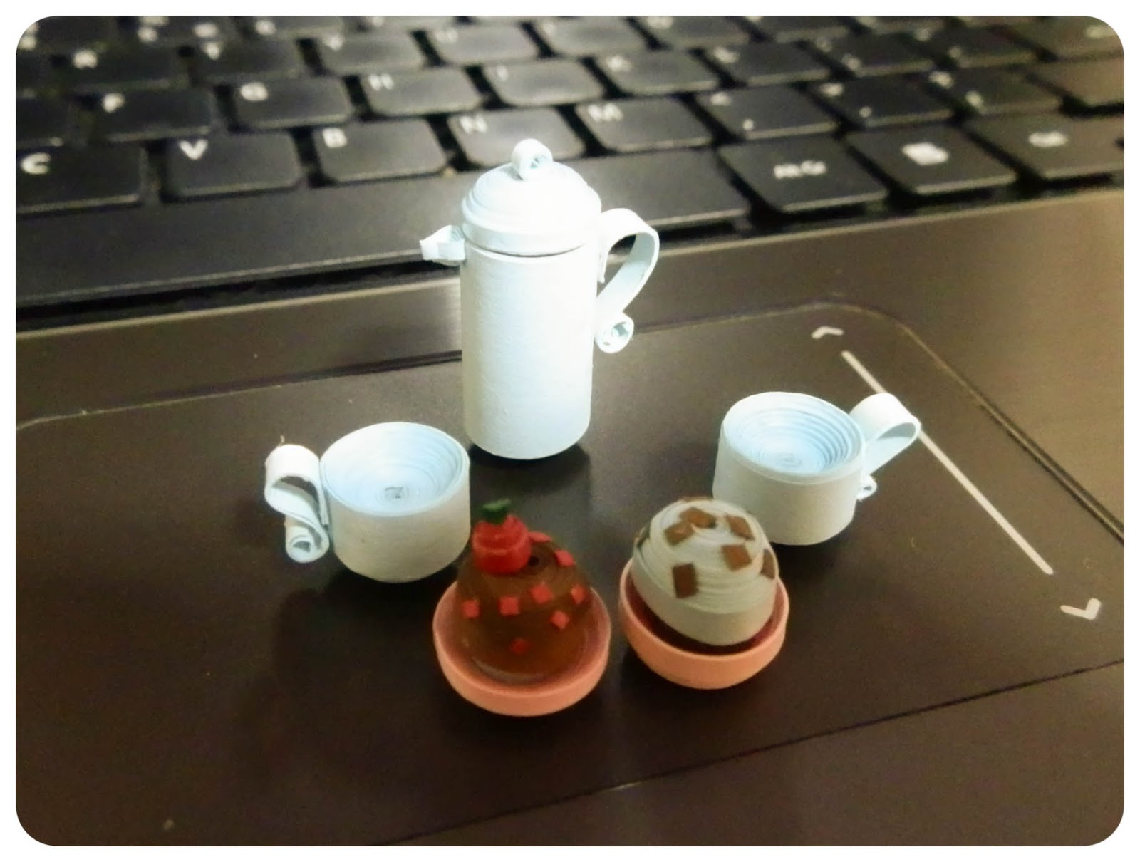 Paper Charm Creations: Miniature Coffee pot and coffee cup - photo#34