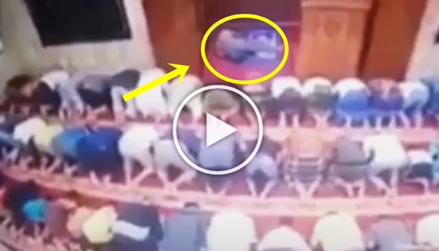 Innalillahi, Imam Masjid Meninggal Saat Pimpin Salat Berjamaah, Videonya Viral