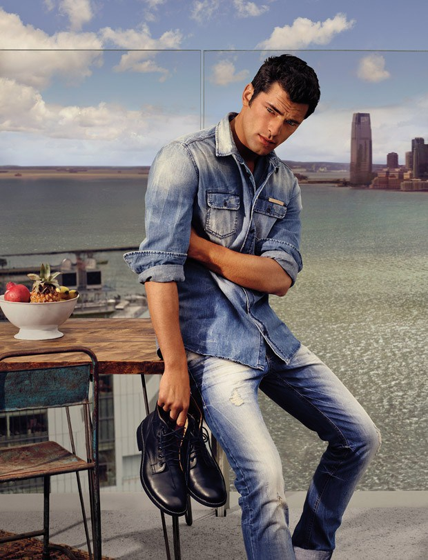 Colcci Spring/Summer 2016 Campaign featuring Gisele Bundchen and Sean O'Pry‏