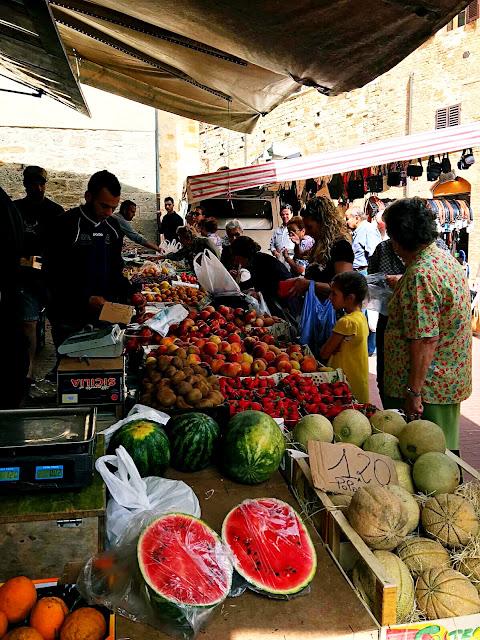 market-day-san-gimignano