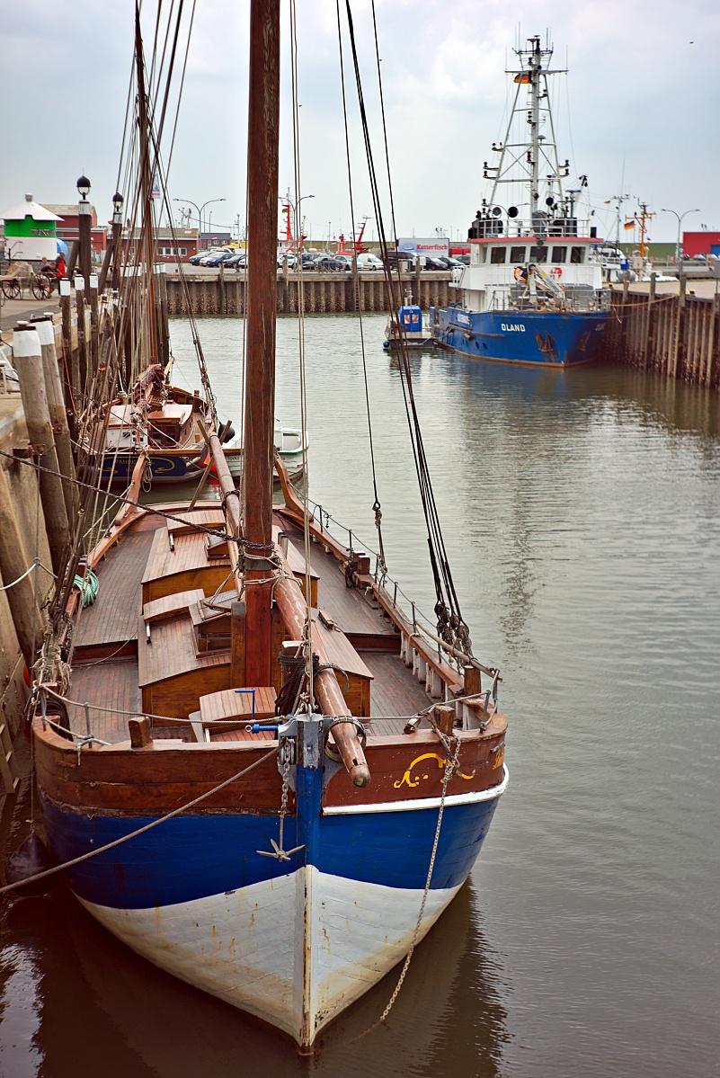 Im Büsumer Hafen (7)