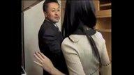 หนุ่มเซลแมนหื่น!! สวมไอ้โม่งเล่นบทโจรย่องไปข่มขืนเมียคนอื่นถึงบ้าน