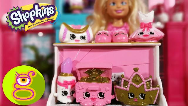 Chelsea enseña a Barbie su colección de Shopkins de Ballet - Capítulo #18  juguetes Barbie en español