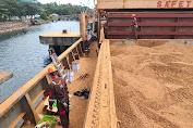 Bungkil Kelapa Sulut Senilai 17,7 Miliar Berlayar Ke India