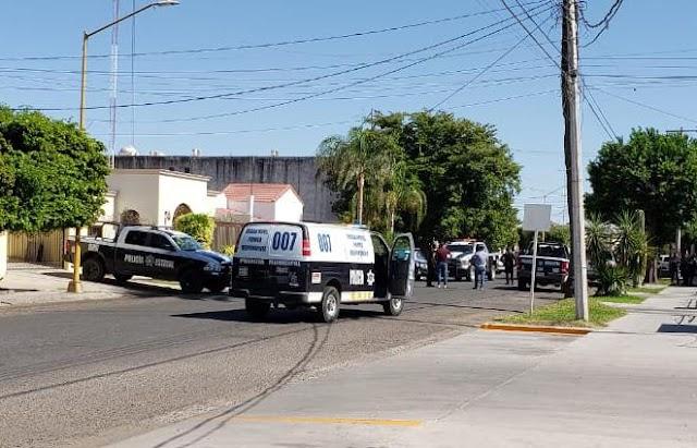 Hidegvérrel kivégeztek egy újságírót és egy rendőrt Mexikóban