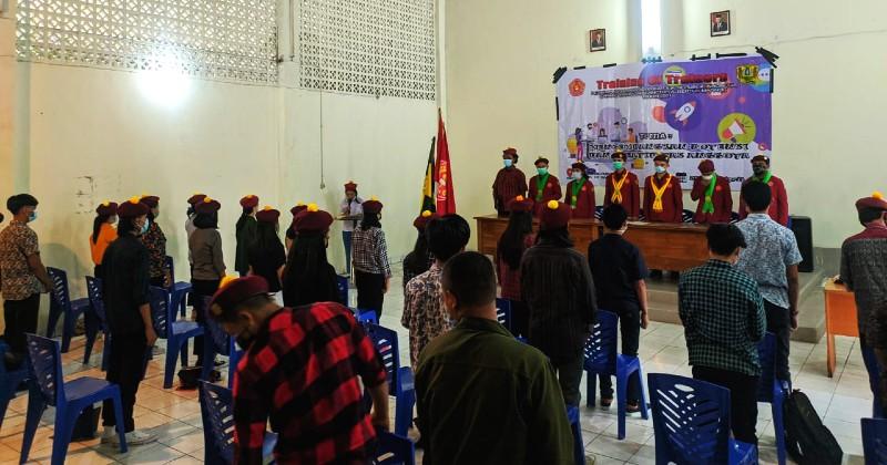 Mengembangkan Potensi dan Kreativitas Anggota, PMKRI Makassar Gelar Kegiatan TOT