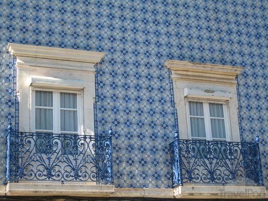 Winton House Blue Amp White Tiles