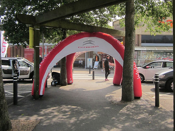 The Benefits Of Hiring Inflatable Arches For Your Event