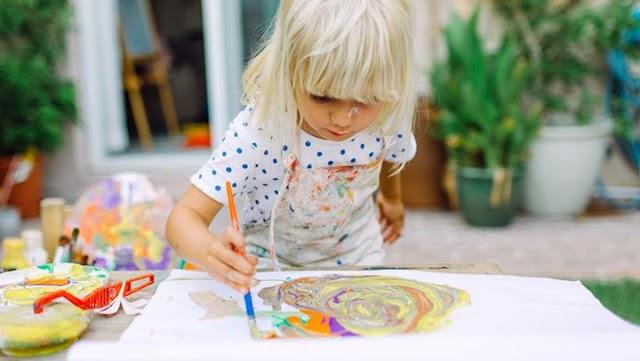Ποια είναι τα οφέλη της ενασχόλησης των παιδιών με την τέχνη