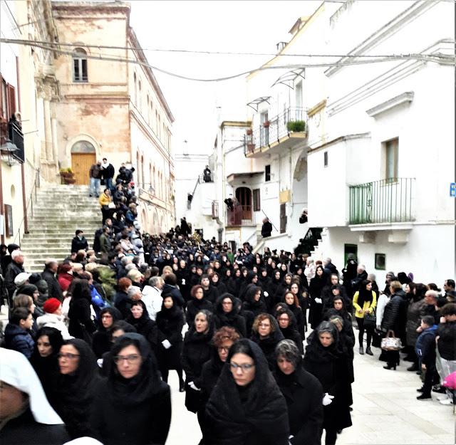 La processione dei Misteri a Castellaneta, le pie donne