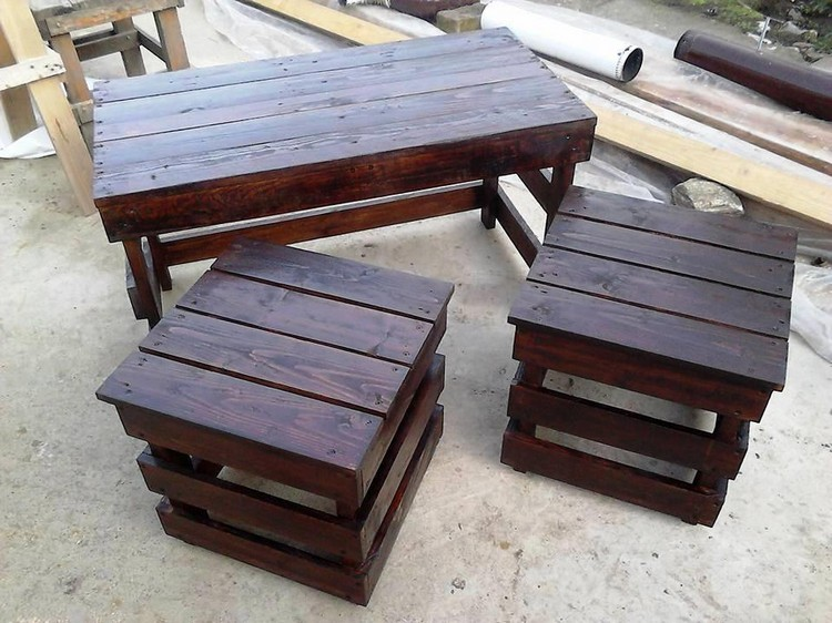Pallet Table To Inspired Your Living Room