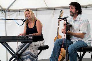Lori Diamond - Fred Abatelli performing (photo by Jake Jacobson)