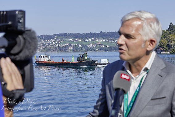 CEO der Rigibahnen, Frédéric Füssenich, dem Schweizer Fernsehen SRF Red und Antwort steht