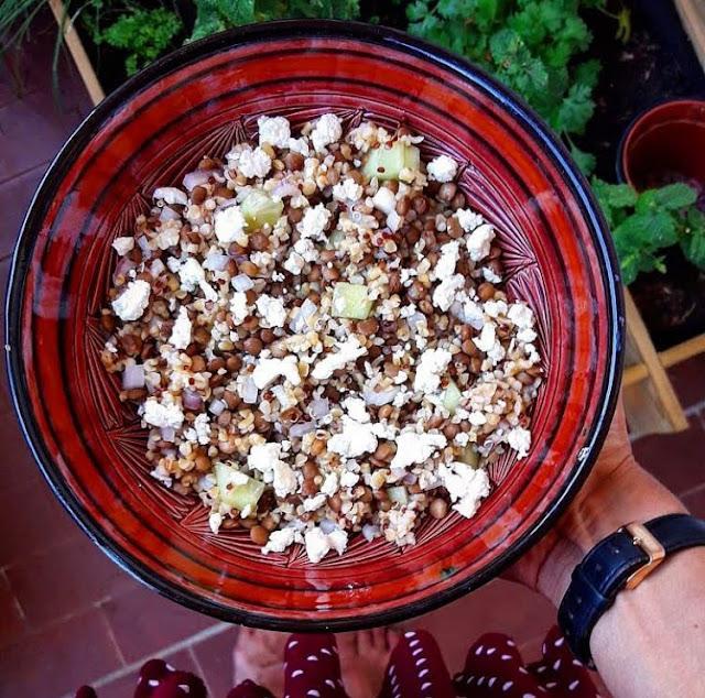 Salade healthy de quinoa aux lentilles et à la feta Charlotte and cooking