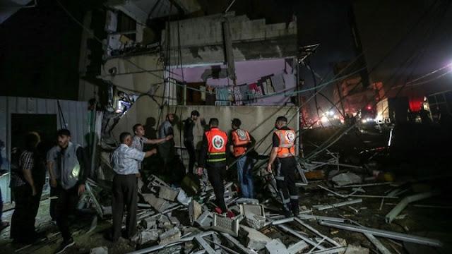 Λωρίδας της Γάζας: Ανασύρουν νεκρούς και ζωντανούς από τα συντρίμμια (βίντεο)