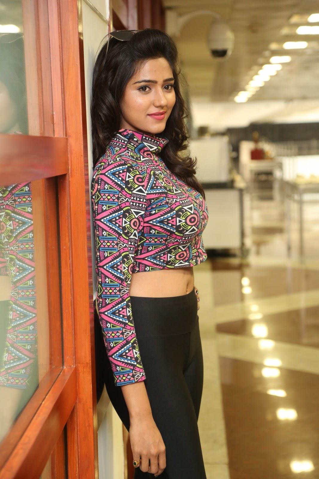 shalu chaurasiya latest sizzling pics-HQ-Photo-12