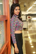 shalu chaurasiya latest sizzling pics-thumbnail-12