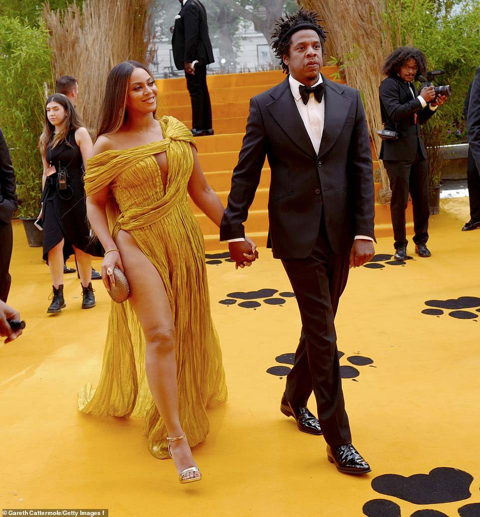 Beyonce & Jay-Z Look So In Love Together at 'Lion King' European Premiere