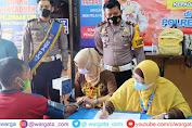 Dukung Program Pemerintah, Sat Lantas Polres Pinrang Beri Vaksin Gratis ke Pemohon SIM