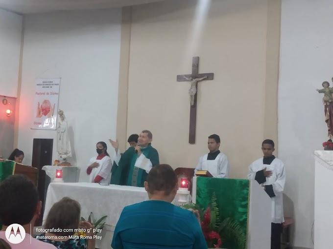 Foto Eucaristia no Domingo dia 27 de junho  na Paróquia de São Francisco em Mata Roma - MA.