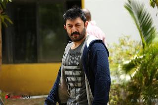 Jayam Ravi Arvind Swamy Hansika Motwani Bogan Movie Stills .COM 0012.jpg